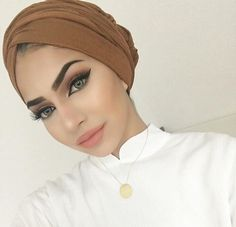 Read 👩VOILÉES👩 from the story LIFE'S POSTBAD. Makeup Goals, Makeup Inspo, Beauty Makeup, Eye Makeup, Hair Makeup, Hair Beauty, Hijab Makeup, Arabic Makeup, Turban Style