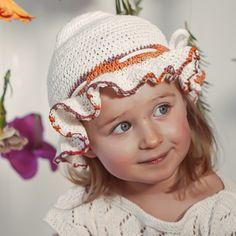Crochet hat handmade of Van Beren Organic Cotton Yarn for baby girls and toddler with binding. Cotton Plant, Organic Cotton Yarn, Knitted Fabric, Knitted Hats, Crochet Hats, Natural Clothing, Knits, Textiles, Van