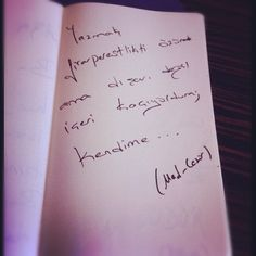 Yazmak firarperestlikti özünde, ama dışarı değil içeri kaçıyordum; kendime...