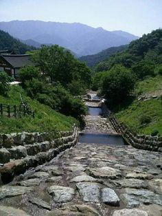 산에서 본 마을 ko