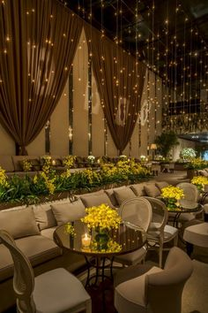 Casamento Real: Giovanna & Thiago - a decoraÇão - Say I do Diy Backdrop, Backdrop Decorations, Ceremony Decorations, Backdrops, Lounge Party, Wedding Lounge, Dream Wedding, Mandap Design, Wedding Scene