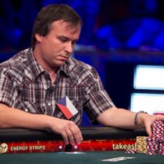 The video of poker tells : Hesitation before bet or raise
