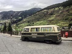 Everything VW Busses and the lifestyle that comes with it. Vw Bus T2, Volkswagen Group, Vw Camper, Transporter T3, Volkswagen Transporter, Vw T1, Classic Campers, Vw Classic, Combi Wv