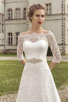 Lace wedding dress. Long sleeves wedding dress. by MileniBride