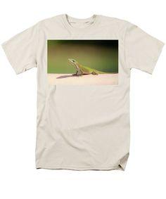 Anolis Carolinenis Men's T-Shirt (Regular Fit) featuring the photograph Carolina Anole by Cynthia Guinn