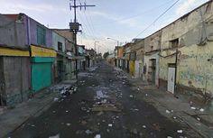 Este es un mexicano llamado Tepito. Es en la ciudad de Cuauhtémoc en la Ciudad de México.  Las personas pobres viven en este lugar. Es muy sucio y miedo aquí.