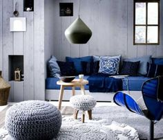 табуретката - Blue and White Decorations Blue and White Decorations to Add More Comfort in Your House