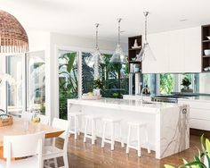 Bringing the garden inside - beach house