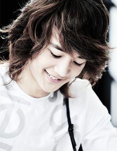 I just love Choi Minho with long hair. ♡ *Shinee*