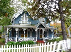 Love the gingerbread cottages:)