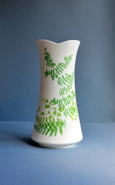 Vera Vase - Lacy Fern Green