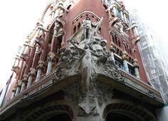 Palau de la Música. Barcelona. Grupo escultorico. Obra de Miguel Blay