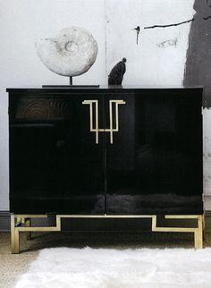 Mirrored Console Table Designs for a Sophisticated Decor Asian Furniture, Sideboard Furniture, Chinese Furniture, Art Deco Furniture, Table Furniture, Modern Furniture, Furniture Design, Lacquer Furniture, Credenza