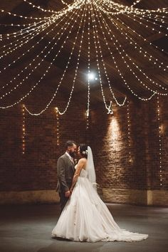 Styling a winter wedding - All the fairylights! | Image Source: Rock My Wedding