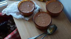 Mousse au chocolat au lait avec meringue suisse