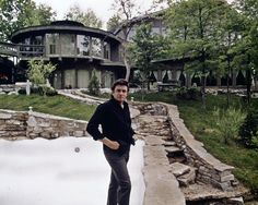 On the Road to The Man In Black: 10 Places to See if You Heart Johnny Johnny Cash House, Johnny Cash Museum, Johnny Und June, Johnny Cash June Carter, Country Music Stars, Country Music Singers, Country Musicians, Jochen Rindt, Mountain Music
