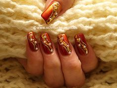 Nail art motivo 240 - Uñas decoradas con papel de oro - http://www.schmucknaegel.de/