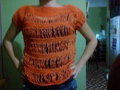 I would love the chart for this pretty crochet shirt!! ** MIS PEQUEÑAS CREACIONES **: MI NUEVA BLUSA !!