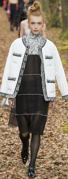 Chanel Fall 2018 RTW_vogue.com/fashion-show