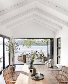 An Effortlessly Stylish and Relaxed Summer Vibe from House Doctor House styles Let's Celebrate Summer with this Awe-Inspiring and Effortlessly Stylish Outdoor Space - NordicDesign House Doctor, Style At Home, Modern Lake House, House By The Lake, House And Home, Modern Beach Houses, Modern Beach Decor, Modern Log Cabins, Beautiful Beach Houses