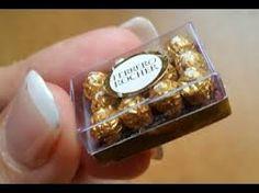 comida miniatura, bombones Ferrero Rocher/miniature food,, Ferrero Rocher chocolates – Mini's Miniature Crafts, Miniature Food, Miniature Dolls, Doll Crafts, Clay Crafts, Clay Miniatures, Dollhouse Miniatures, Crea Fimo, Barbie Doll Accessories