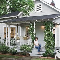 New Exterior Cottage Colors Bungalows Front Porches Ideas Cottage Porch, Cottage Exterior, Cottage Living, Cozy Cottage, Cottage Homes, House Porch, Bungalow Porch, Lakeside Cottage, Porch Roof