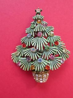 Older Vintage Enamel Evergreen Christmas Tree Pin Brooch Colored Rhinestones   b7799b5c6d47