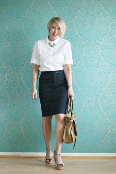 A fashion blog for women over 40 and mature  women http://glamupyourlifestyle.blogspot.de/  Blouse: Strenesse Skirt: Boss Shoes: Dorothee Schumacher Bag: Chloé