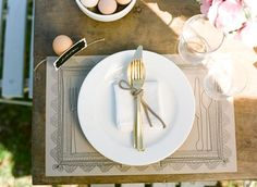 I need to try making placemats like these for some party. From Design Sponge. Inexpensive Wedding Centerpieces, Simple Centerpieces, Wedding Table, Diy Wedding, Wedding Placemat, Wedding Ideas, Wedding Bells, Wedding Details, Wedding Reception