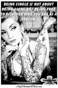 pin up girl, i love her tattoos! Tattoo Girls, Girls With Sleeve Tattoos, Girl Tattoos, Woman Tattoos, Female Tattoos, Bodysuit Tattoos, Retro Tattoos, Trendy Tattoos, Girl Face