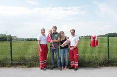 Die kleine Laura aus Eugendorf (Flachgau) hatte es am frühen Morgen des 7. Juni besonders eilig, wie das Rote Kreuz am Montag in einer Presseaussendung meldete. Noch auf dem Weg ins Krankenhaus erblickte das Mädchen im Rettungswagen das Licht der Welt. Die Rot-Kreuz-Sanitäter wurden zu Geburtshelfern.