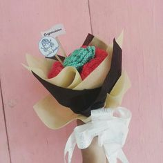 Yay bouquet for graduation Special with you 😍😍  #crochetbouquet #crochetindonesia #handmade #kadowisuda