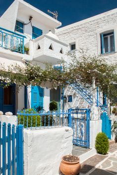 GREEK HOUSE - KYTHNOS - ISLAND - BLUE