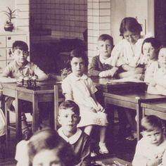 Anne Frank; Montessori school