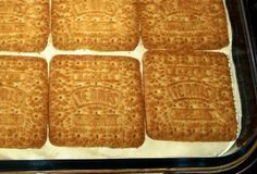 Koeke en Terte – Page 2 – Boerekos – Kook met Nostalgie Custard Recipes, Tart Recipes, Brownie Recipes, Sweet Recipes, Dessert Recipes, Milktart Recipe, Peppermint Crisp Tart, Quick Meals For Kids, African Dessert