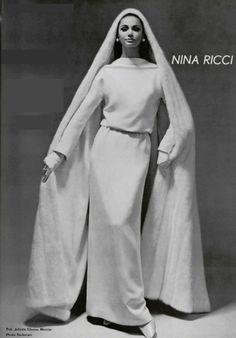 1966  Nina Ricci wedding Dress