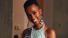 Zozibini Tunzi dari Afrika Selatan Dinobatkan Jadi Miss Universe 2019 Black Girls Power, Black Power, Girl Power, Demi Leigh Nel Peters, Georgia, Short Natural Haircuts, Atlanta, Jennifer Hawkins, Shaved Hair Designs