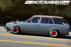 Toyota Corolla TE72 Wagon....one day, i will own you!!!