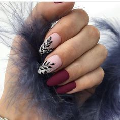 Looking for easy nail art ideas for short nails? Look no further here are are quick and easy nail art ideas for short nails. Classy Nails, Trendy Nails, Simple Nails, Cute Nail Designs, Acrylic Nail Designs, Dark Nail Designs, Gel Nagel Design, Nagel Hacks, Burgundy Nails