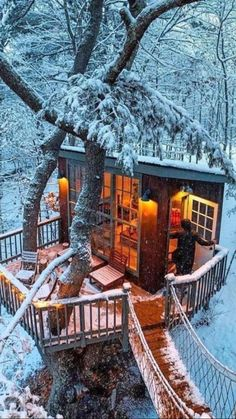 Home Design, Mountain Dream Homes, Modern Wooden House, Beautiful Homes, Beautiful Places, Tree House Designs, Winter Scenery, My New Room, My Dream Home