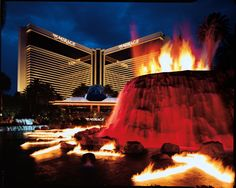 MIRAGE:  Volcano erupts every hour on the hour from 5:00 - 11:00 pm. Mirage Hotel Las Vegas, Vegas Hotel Deals, Best Las Vegas Hotels, Las Vegas Attractions, Las Vegas Trip, Las Vegas Nevada, Best Hotels, Vegas Vacation, Vegas 2