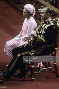 Queen Elizabeth ll and Prince Philip, Duke of Edinburgh attend the Queen's Silver Jubilee thanksgiving service at St. Paul's Cathedral on June 7, 1977, in London, England. (Photo by Anwar Hussein/Getty Images) *** Prince Philip, Duke of Edinburgh
