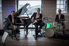 Het meest exclusieve piano trio van Nederland boekt u bij artiestenbureau Joost Zoeteman. Allround, ballroom, swing, jazz voor unieke evenementen en feesten. Check hier video, prijsinformatie en beschikbaarheid.