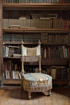 Bilderesultat for madame de florian Abandoned Mansions, Abandoned Houses, Abandoned Places, Old Houses, Demi Mondaine, French Apartment, Parisian Apartment, Paris Apartments, Book Nooks