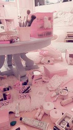 When the mess is pink it always look cute