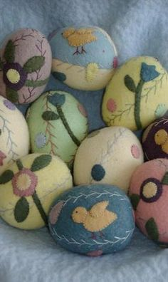 easter ~ a basket of eggs