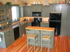 Country Woodworkers - Kitchen Gallery of Schmunk Residence