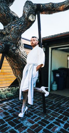 Photographer by Jemes Barber this Monday 😍💞👠👁👁 Sam Smith Instagram, Frederick Smith, Singer Sam Smith, Men In Heels, High Heels, Matchbox Twenty, Ukulele Songs, Sam Claflin, Heels