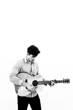 Image about boy in shawn mendes 💙 by montse ru Shawn Mendes Lockscreen, Shawn Mendes Wallpaper, Shawn Mendes Imagines, Shawn Mendes Shirtless, Shawn Mendes Cute, Tarzan, Bae, Shawn Mendas, Mendes Army