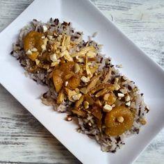Pollo de corral con mezcla de arroces orgánicos, frutos secos y especias ...basada en una receta hindú antiguamente muy influenciada por la cocina Persa 🍴😋🍗🍅 Con nuestro nuevo amigo ...el slow cooker..que gusto..te permite hacer platos deliciosos con el mínimo de esfuerzo.  #pollo #chicken #garammasala #jengibre en polvo #ginger #ajo #garlic #cebolla #onion #chili en polvo #vinagre #azucardepalma #alberacoqueseco #driedapricot #almond #almendra #anacardo #cashew #palmsugar #purée de…